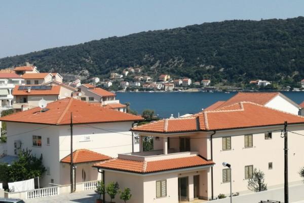 Punat (otok Krk), kuća dvokatnica, 325 m²