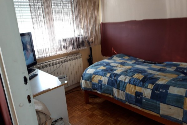 Zagreb (Gornja Dubrava), Pete Poljanice, 1,5-sobni stan, 3. kat, 40 m²